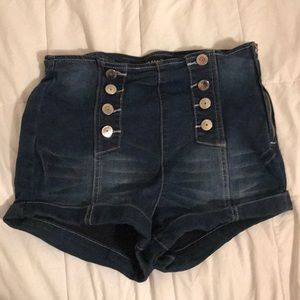Almost Famous Shorts - dark blue denim shorts